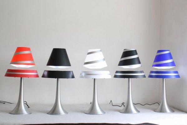 Купить лучший подарок- левитирующую лампу в Москве и Санкт-Петербурге, купить левитационную лампу в России. Левитирующие лампы, летающие ночники.